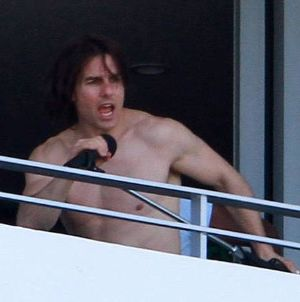 tom cruise no shirt
