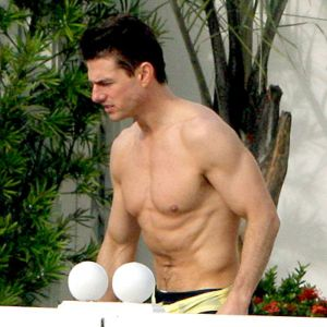 tom cruise shirtless
