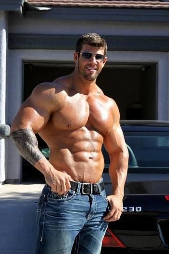 zeb atlas muscle bodybuilder