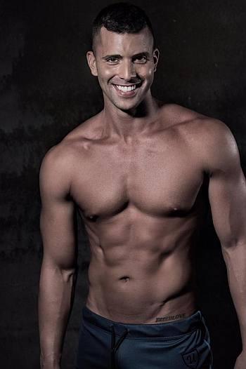 beau breedlove shirtless body model
