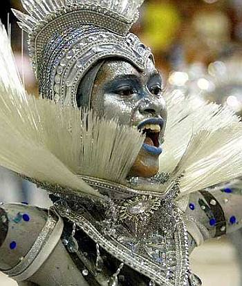 Porto da Pedra brazilian samba dancer