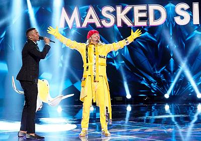 bret michaels banana masked singer