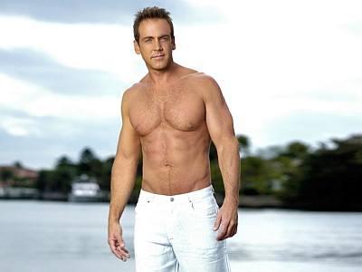 carlos ponce hot shirtless body