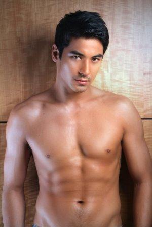 japanese brazilian male models akihiro sato body