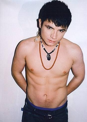 jody latham shirtless underwear peekabo
