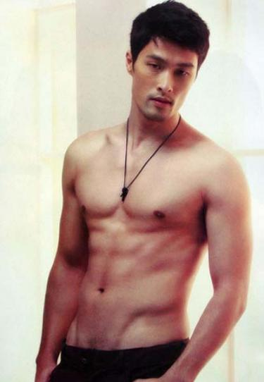 johnny nguyen shirtless photos