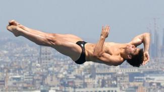 alexander despatie speedo diving hunk