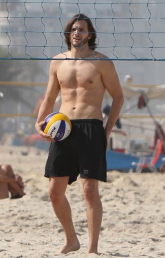 hot male volleyball players ashton