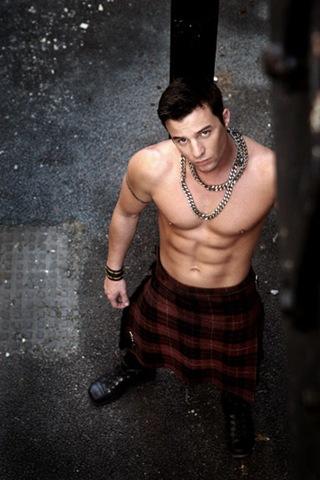 hot guys in kilt shirtless