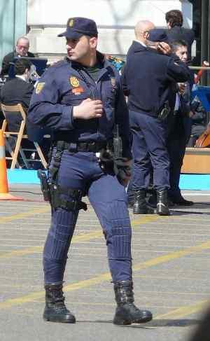 hot men in uniform brazilian cop tight pants