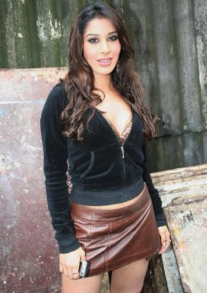 beautiful indian girls sophie chaudhary