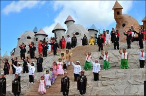 Fun Tourist Destinations Dwarf theme park Kunming china
