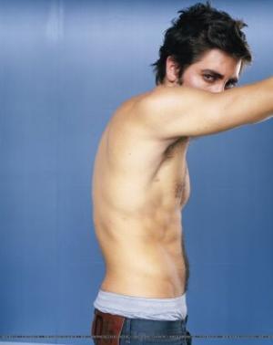 jake gyllenhaal fashion style - low rise jeans