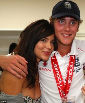 Stuart Broad Girlfriend is Kacey Barnfield