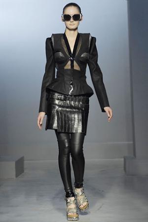 balenciaga-leather-leggings