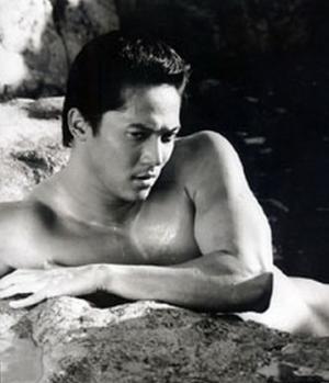 rustom padilla shirtless hot body