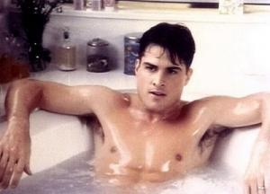 George Eads bath in the tub