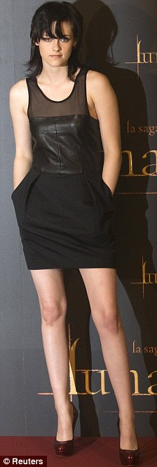 kristen stewart fashion leather dress