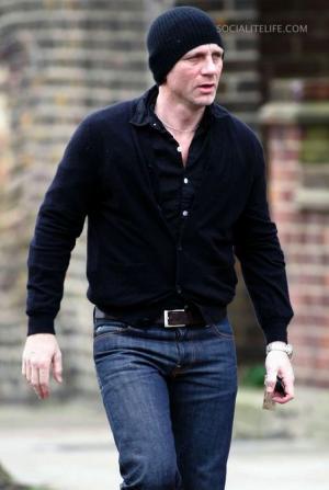 tight jeans for men - daniel craig