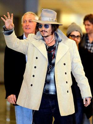 johnny-depp-white-coat-jeans-hat