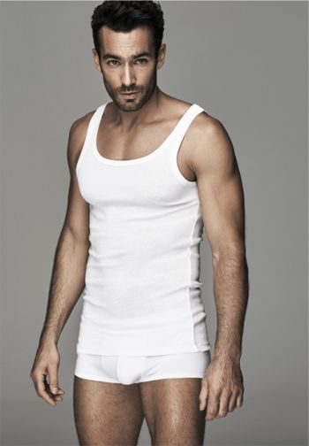aaron diaz underwear model for ovs - boxer briefs
