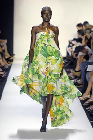 top african female models - alek wek runway