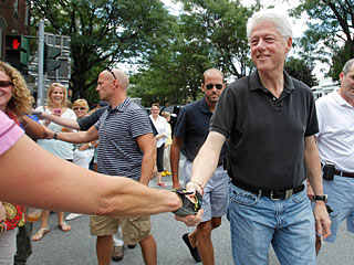 old men fashion style bill clinton jeans
