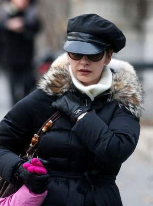 female celebrity newsboy cap