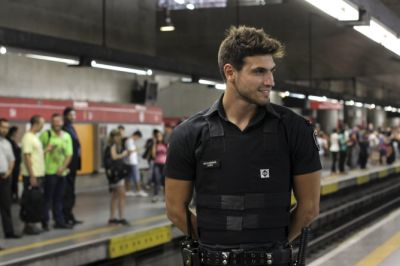 hot guys in police uniform Guilherme Leao security officer