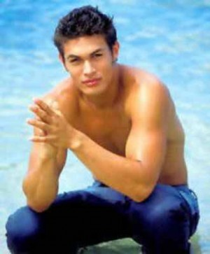 jason momoa young body