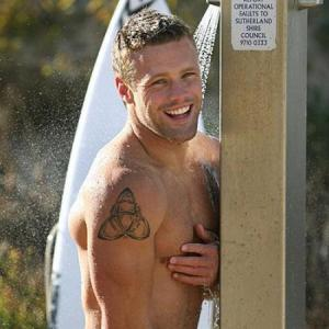male celebrities in the shower nick youngquest