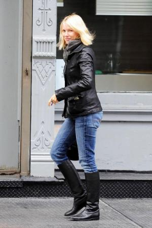naomi watts style leather jacket jeans