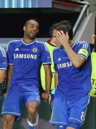 ashley cole boner with john terry and frank lampard1