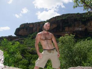 men in cargo shorts collin oneal
