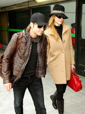 keith-urban-brown-leather-jacket-long-coat-for-nicole