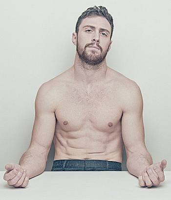 aaron taylor-johnson body shirtless
