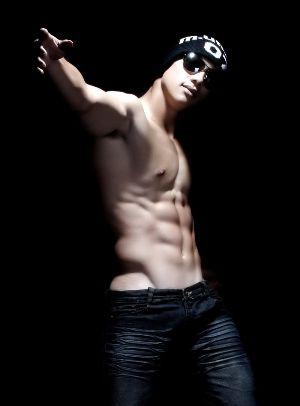 Hot Vietnamese Guys Le Minh Hieu shirtless