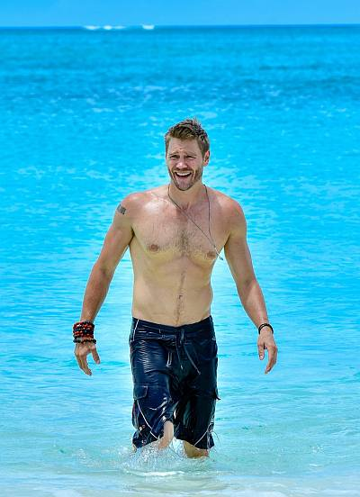beach hunks and bods - chad michael murray