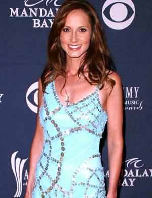 famous lesbian celebrities chely wright country singer