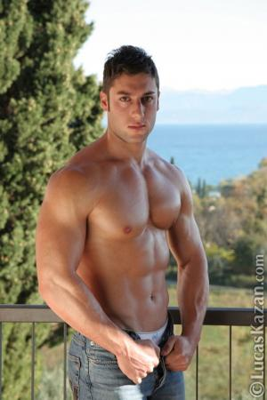 daniele montana shirtless abs body