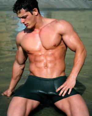 jessie godderz swimwear model