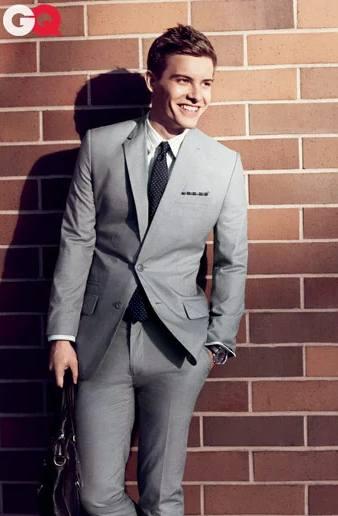 hot guys in suit and tie - xavier samuel
