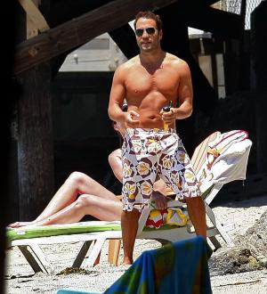 jeremy piven shirtless