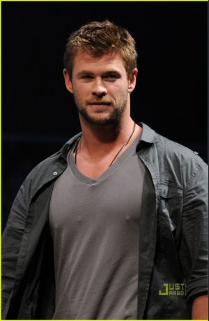chris hemsworth v-neck shirts for men