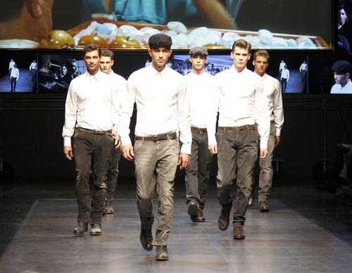 dolce gabbana jeans for men runway
