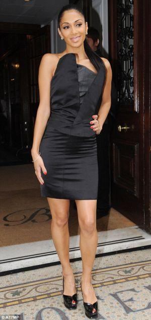 celebrity black dress nicole
