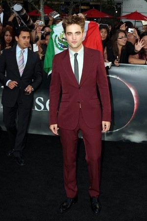 best suit and tie for young men robert pattinson