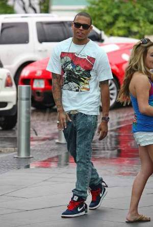 celebrities wearing levis 501 jeans chris brown