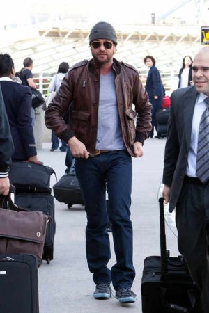 celebrities wearing gucci leather jackets gerard butler