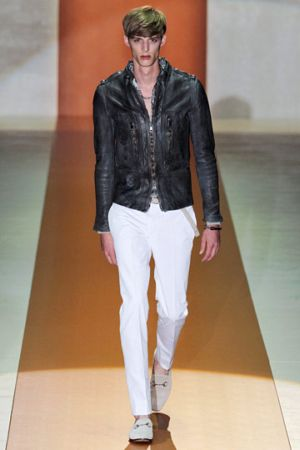 gucci leather jacket spring season